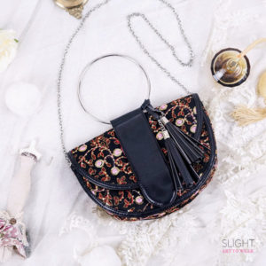 Clutch Crescent Hitam