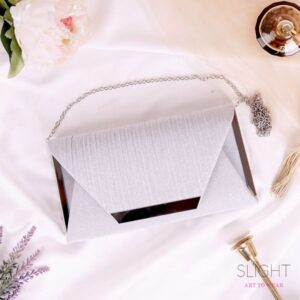 Clutch Square Silver Muda
